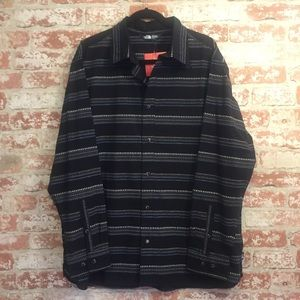 NWT The North Face Button Down, size XL